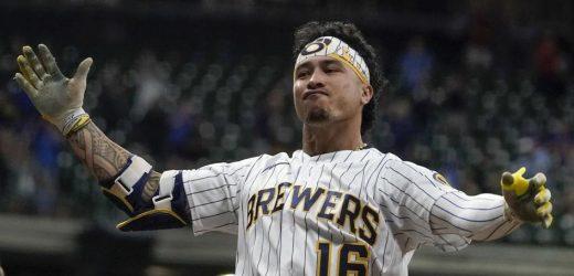 Kolten Wong's 2-way play key factor in Brewers' success